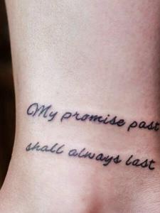 脚腕上的小清新英文纹身刺青很低调