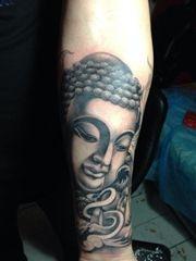 神圣威严的手臂佛纹身