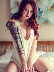 欧美女孩的时尚花臂