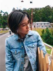 阚清子旅行写真曝光 造型休闲青春洋溢