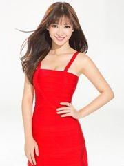柳岩性感红裙写真 紧身凹曲线妩媚风情