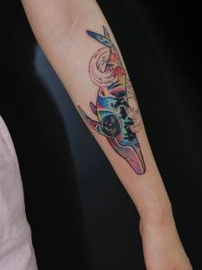 好看又炫酷的手臂海豚纹身图案
