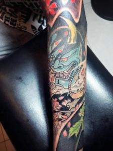 花妓与般若结合的传统花臂纹身图案