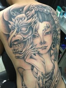 超级霸气的满背传统花旦纹身图案