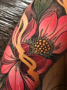 一组适合女生的鲜艳牡丹花纹身图案