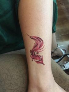 裸脚彩色小清新狐狸纹身图案