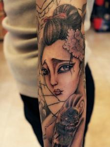 精美耐看的花臂艺妓纹身图案