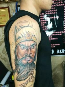 帅气迷人的花臂关公纹身图案