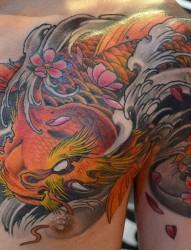 新加坡纹身师elvin yong肩部半甲纹身