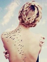 性感妖娆女性肩背部纹身