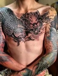 霸气十足的邪龙纹身