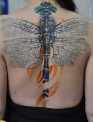 美女个性后背纹身
