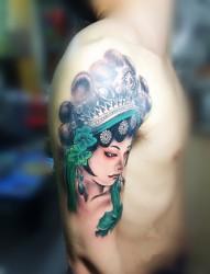 手臂古典花旦纹身图片