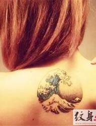 漂亮的浪花纹身图片