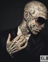 僵尸男孩Rick Genest的霸气纹身
