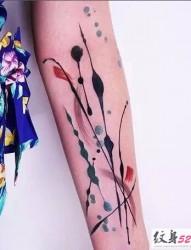 唯美的泼墨水彩纹身