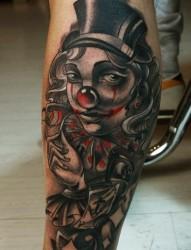 腿部小腿处的个性小丑纹身