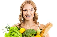 怀抱瓜果蔬菜的美女图片
