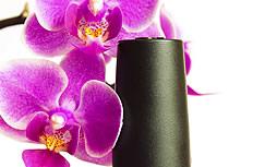 兰花与指甲油图片
