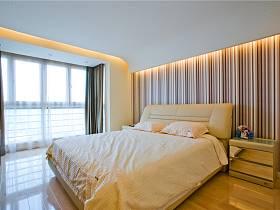 现代三室两厅两卫窗帘图片