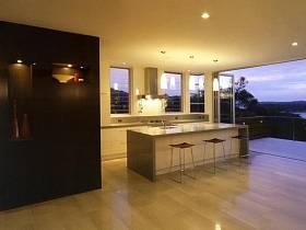 现代厨房装修案例