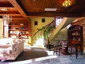 田园吧台楼梯酒柜图片