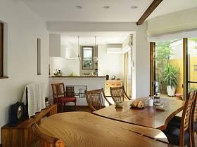 简约窗帘餐桌木质餐桌设计案例
