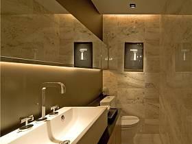 现代简约卫生间装修图