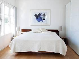 现代卧室衣柜装修图