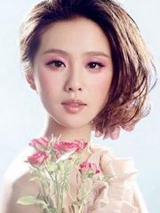 刘诗诗最新三七分短发发型图片[3P]