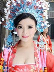 湖南豪乳女财神爆红 大量生活照发型图片放送[11P]