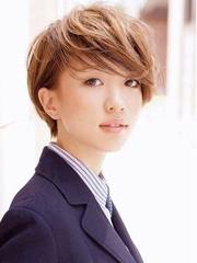 日系甜美层次感卷发发型图片[7P]