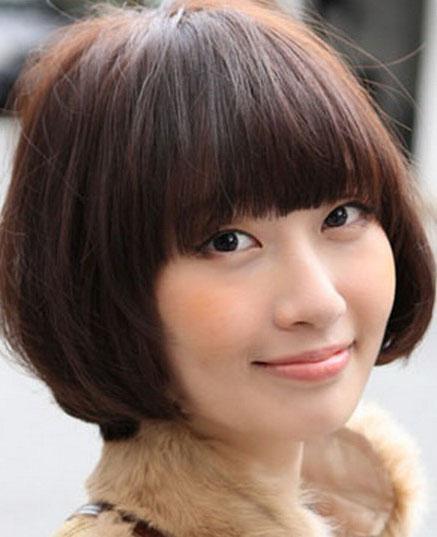 女学生时尚锅盖头发型图片[6P]