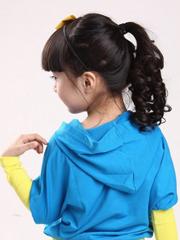 心爱女童发型绑扎办法图片[5P]