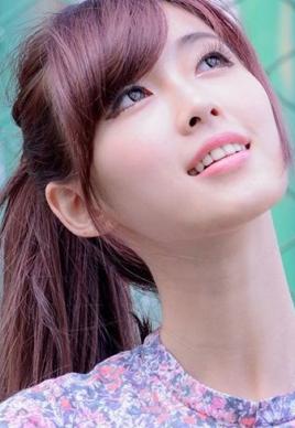 好看标女生斜刘海发型设计[5P]