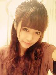 甜美好看的齐刘海长直发发型图片[6P]