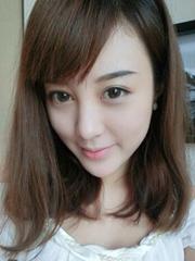 喜欢简约中长发的妹子戳进来[5P]