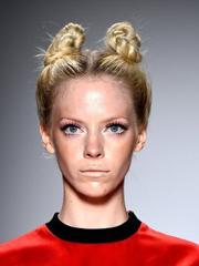 河童发型VS羊角辫 时装周奇葩发型秀[13P]