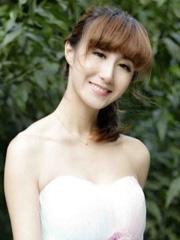 简单韩式发型扎法 自然柔和[4P]