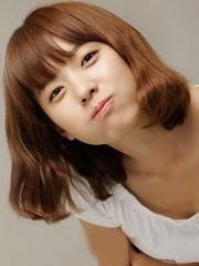女生荷叶头短发发型 及肩头发尽显优雅[4P]