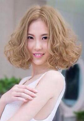 最好看的短发蛋卷烫发型图片[5P]