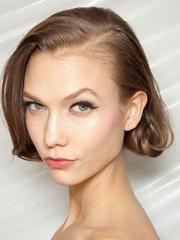 图说超模Karlie Kloss发型进化史[13P]