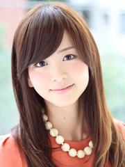 甜美女生中长直发发型图片[5P]