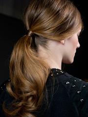 秀场马尾的各种扎法图片 简约最时尚[10P]