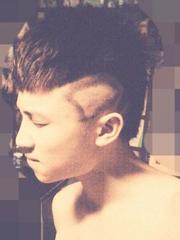 男生特性短发设计 头发两边剃掉落VS刻图案[11P]