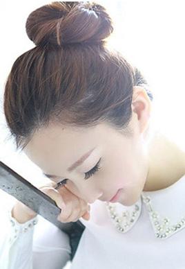 最簡單好看的韓式丸子頭 年輕就任性[13P]