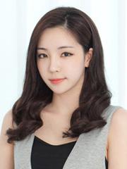 韩国女生假发图片 长发短发都甜美[8P]