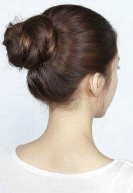 最簡單漂亮的韓式丸子頭扎法圖解[11P]