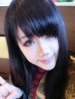 女生自然黑色直发图片[5P]