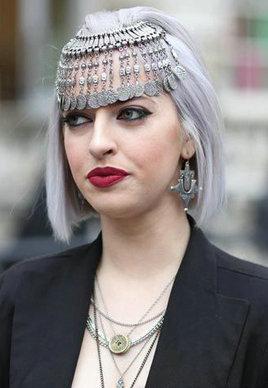 街拍潮女最新发型颜色[17P]